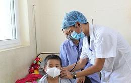 Hải Dương: Trẻ nhỏ, người già nhập viện tăng do thời tiết