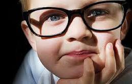 Lựa chọn kính cho trẻ