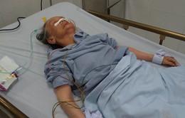 Tìm người thân cho bệnh nhân nữ cao tuổi bị liệt nửa người