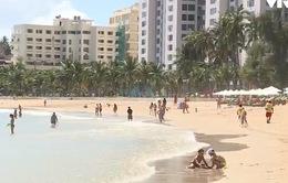 Làm thế nào để tắm biển an toàn mùa biển động?