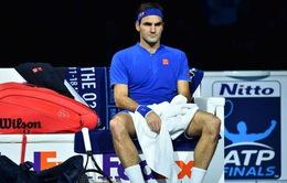 ATP Finals 2018: Roger Federer gặp khó trận mở màn