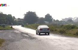 Quốc lộ 8 năm thi công vẫn dang dở