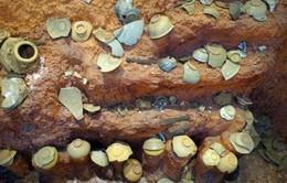 Nhiều hiện vật cổ quý hiếm trong khu mộ cổ lớn bậc nhất Tây Nguyên