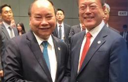 Thủ tướng Nguyễn Xuân Phúc gặp lãnh đạo các nước