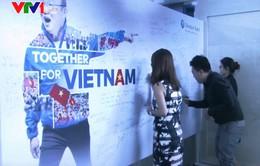 AFF Cup 2018: Lá cờ khổng lồ cổ vũ đội tuyển Việt Nam