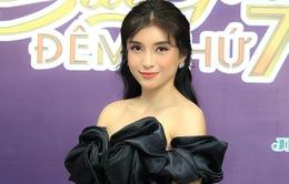 Tiêu Châu Như Quỳnh xuất hiện xinh đẹp ở Sài Gòn đêm thứ 7