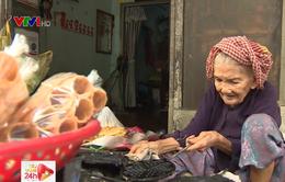Cụ bà 93 tuổi và chiếc bánh kẹp 1.000 đồng