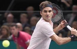 Roger Federer giành quyền vào tứ kết Paris Masters