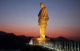 Cảnh sát Ấn Độ phải bảo vệ bức tượng cao nhất thế giới