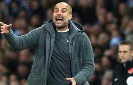 """Guardiola """"điên tiết"""" vì Solskjaer bóng gió Man City chơi bẩn"""
