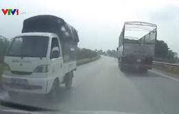 Xe tải ngang nhiên đi ngược chiều trên cao tốc Hà Nội - Thái Nguyên