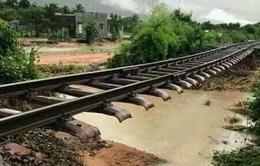 Ngập cục bộ ở Ninh Thuận, đường sắt qua Ninh Thuận bị ách tắc
