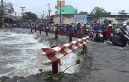 Nước cuốn mất tích người đi đường tại TP.HCM