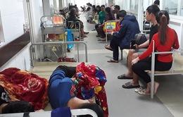 Đà Nẵng: Quá tải vì dịch sốt xuất huyết, người bệnh phải nằm chung giường