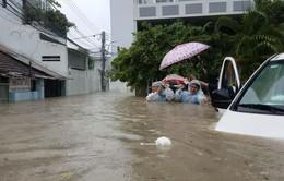 Cấp cứu 115 Khánh Hòa: Nhọc nhằn vượt lũ đưa người bệnh đi cấp cứu