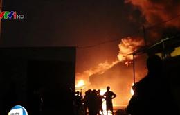 Cháy lớn xưởng lốp gần khu trọ sinh viên ở TP.HCM, thiệt hại hàng tỷ đồng