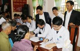 Khám, cấp thuốc miễn phí cho 500 đối tượng chính sách tại Hà Tĩnh