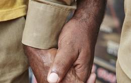 Đàn ông nắm tay nhau đi trên phố - Nét văn hóa thú vị của người Ấn Độ