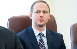 Ba Lan bắt cựu Chủ tịch Ủy ban giám sát tài chính vì nghi tham nhũng