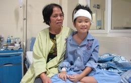 Bé gái 10 tuổi hồi phục kỳ diệu bất chấp ca mổ rủi ro cao