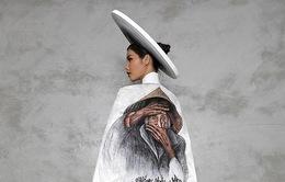 Minh Tú công bố trang phục in hình bà cụ Việt đẹp nhất thế giới