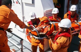 Cứu thành công thuyền viên nước ngoài gặp nạn ở vùng biển Khánh Hòa