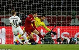 Neymar đi vào lịch sử Champions League