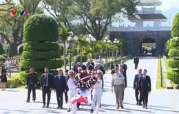 Thủ tướng Pháp thăm di tích chiến trường Điện Biên Phủ