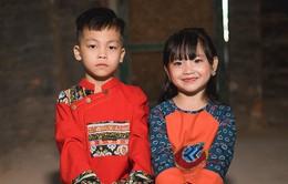 Cặp đôi mẫu nhí gây bão với bộ ảnh tại làng gốm Bát Tràng