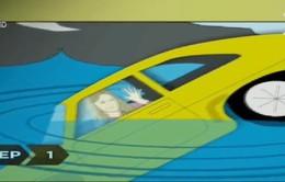 Cách thoát nạn khi xe ô tô bị chìm xuống nước