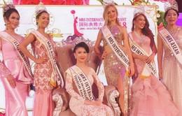 Loan Vương đăng quang Hoa hậu Quý bà quốc tế 2018