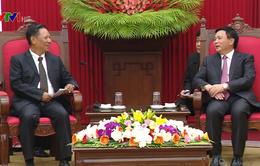 Bí thư Trung ương Đảng Nguyễn Xuân Thắng tiếp Phó Chủ tịch Hội đồng Khoa học Xã hội Quốc gia Lào