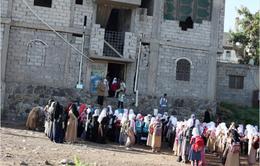 Người thầy biến nhà mình thành trường học cho 700 trẻ em Yemen