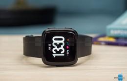 """Với smartwatch, Fitbit bám đuổi như """"hình với bóng"""" cùng Apple Watch"""