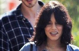 Fan của Vanessa Hudgens sốc với hình ảnh mới của thần tượng