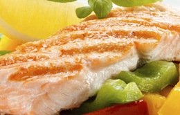 Ăn cá béo giúp giảm các triệu chứng hen suyễn ở trẻ em
