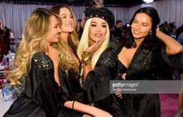 Khoảnh khắc rạng ngời sau sân khấu của dàn mẫu Victoria's Secret Fashion Show 2018