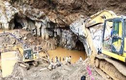Vụ sập hầm vàng tại Hòa Bình: Công tác cứu hộ gặp khó khăn do mưa lớn