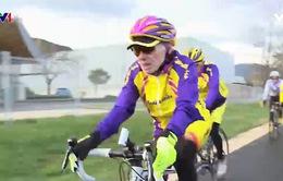 Kỷ niệm sinh nhật tuổi 107 bằng cuốc xe đạp dài 15km