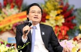 Bộ trưởng Phùng Xuân Nhạ trả lời hàng loạt vấn đề nóng với sinh viên