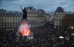 Nổ súng tại Pháp gây nhiều thương vong