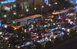 Giao thông Hà Nội ùn tắc nghiêm trọng những ngày mưa rét