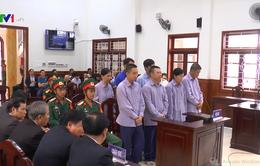 Buôn lậu gần 5 triệu lít xăng qua cảng Cam Ranh, 8 bị cáo lĩnh án
