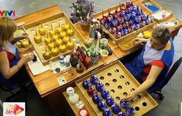 Nhộn nhịp xưởng sản xuất đồ trang trí năm mới tại Nga