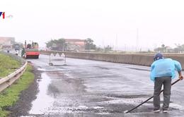 Quốc lộ 1 qua tỉnh Phú Yên hư hỏng nặng