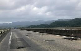 Xóa hằn lún trên Quốc lộ 1 qua tỉnh Phú Yên trước Tết Dương lịch