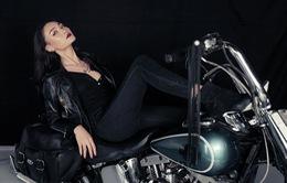 Thùy Trang Next Top Model gợi cảm trong MV mới của Trọng Hiếu