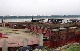 Bắt giữ 5 tàu hút cát trái phép trên sông Thu Bồn
