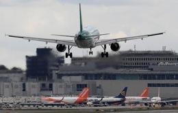 Máy bay không người lái gây rối loạn sân bay ở Anh
