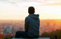 Độ tuổi nào khiến con người cảm thấy cô đơn nhất